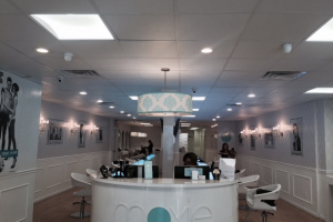 Moxie Blowdry & Beauty Bar